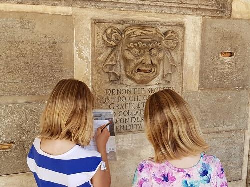 caccia al tesoro bambini a palazzo ducale