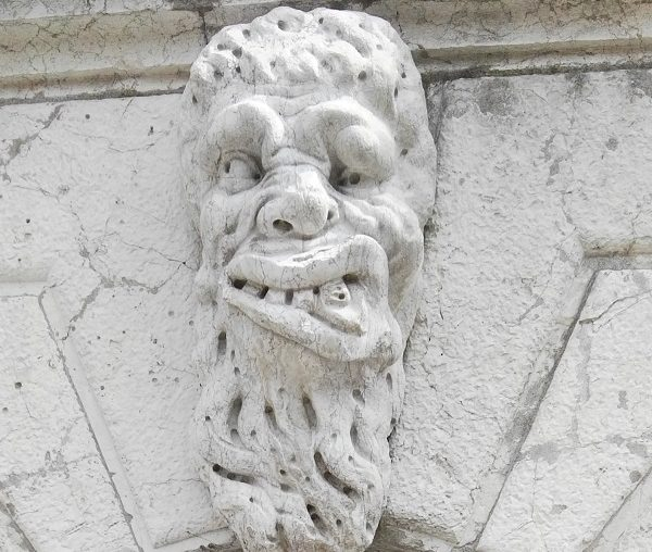 mascaron face